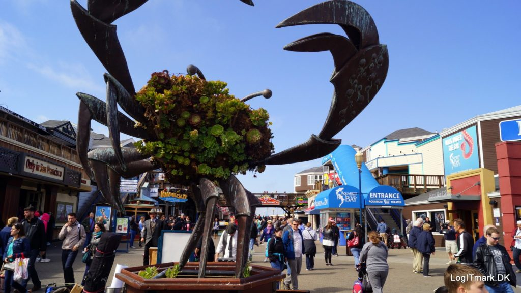 fishermans wharf pier 39 crab sculpture